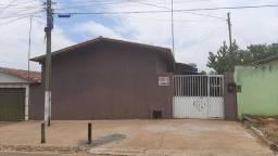 Título do anúncio: Casa muito boa localização no setor pérola do sul sendo 2 casa em 1