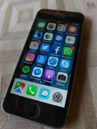 Iphone Se 64gb Com Caixa, Carregador E Cabo E Fone Original