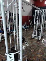 Academia completa musculação fitness