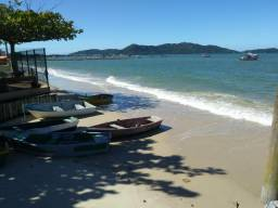 Praia de Zimbros em Bombinhas/SC - Terreno na quadra do mar - Oportunidade!