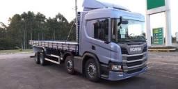Scania P320 8x2 Aut + Carroceria grade baixa 2021