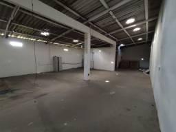 Excelente Galpão de 500m² ao lado do Shopping em Lauro de Freitas