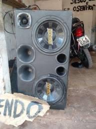 Vendo caixa de som com fouça de 1000