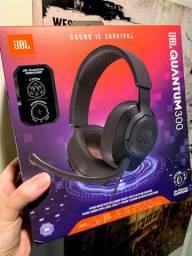 Headset JBL Quantum 300 Over-Ear / Com microfone - Preto