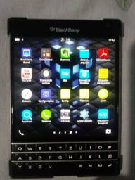 BlackBerry modelo PASSAPORT