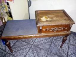 Antiga mesinha Cerejeira