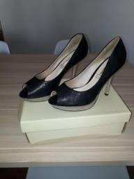 Sapato peep toe número 39