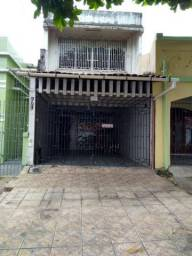 Excelente casa d 3/4 sendo 1 suite em Exc. localização, desocupada Rua Castelo em São Braz