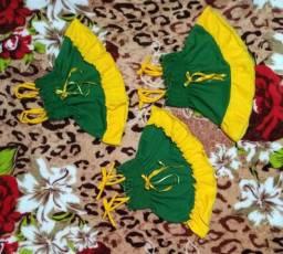 Vestidinho nas cores do Brasil verde e amarelo para bebê