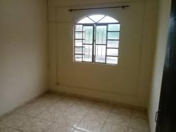 Casa com 1 quarto, sala, cozinha e banheiro, kit