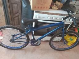 Bicicleta com tudo novo