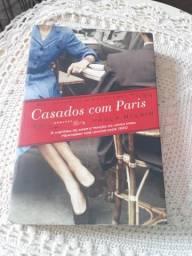 """Livro """"Casados Com Paris"""""""