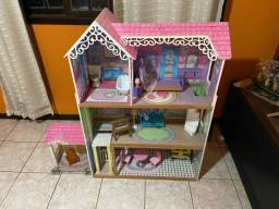 Casa de boneca de madeira comprada nos EUA