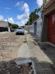 Aluga-se excelente casa no Reis Veloso - A um quarteirão da UFPI