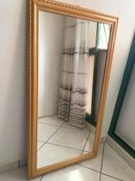 Espelho com moldura em cerejeira envernizada Apenas