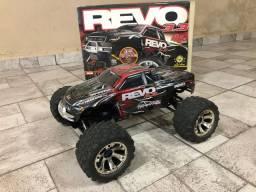 Automodelo  Revo Traxx 3.3 muito rápido