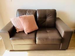 Sofá em couro de 2 lugares