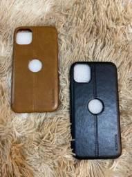 Capa para iPhone 11 em couro  na cor  marrom ou preta