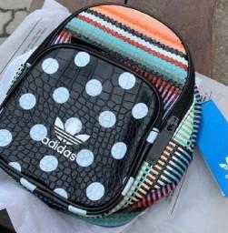 Mini mochila farm+adidas