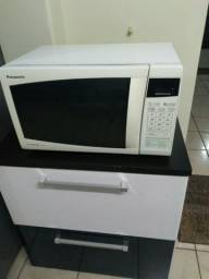 Vende se um microondas Panasonic