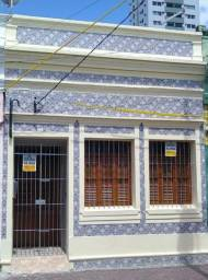 Casa totalmente Reformada no bairro da Boa Vista (4 quartos, 2 wcs, 2 salas)