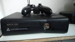 Xbox 360, com Kinect original e controle original