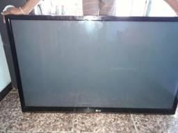Vendo TVs para retirada de peças