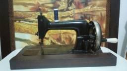 Máquina De Costura Antiga Bromberg