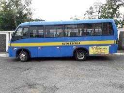 Micro ônibus V8 ano 2008