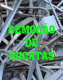 Remoção de reciclagens e sucatas.
