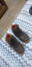 Bota é sandália de criança comprar usado  Belem