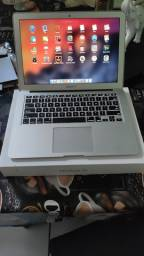 Título do anúncio: MacBook Air 13 (2015) 4 GB/128 + USB SuperDrive (sem marcas de uso)