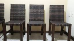 Título do anúncio: 6 Cadeiras em excelente estado de mogno revestidas na cor marrom