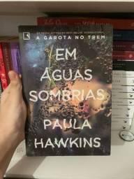 Livro Em águas sombrias ? Paula Hawkins