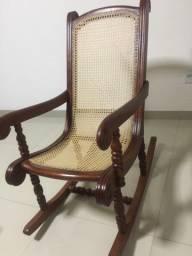 Título do anúncio: Cadeira de balança em palhinha indiana