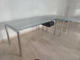 Mesa em L para escritório med 3 metros em L