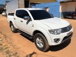 ''Triton Hpe 3.2 Diesel 4x4 Automática 2013/2014, completa'' - 2014