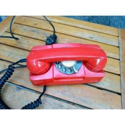 R$150 Aparelho telefônico antigo vermelho