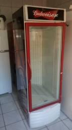 Freezer vertical estilo cervejeira