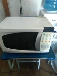 Barbada Vendo microondas Electrolux 20L