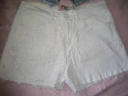 Shorts jeans branco Feminino semi novo ( Tam. 42 )