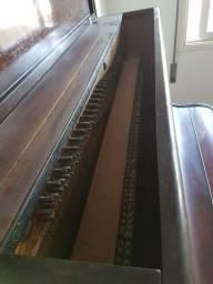 Piano francês Pleyel - item de colecionador