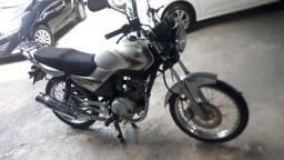 Vendo moto ybr completa
