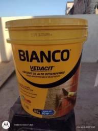 Título do anúncio: Bianco vedacit balde 18kg