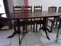 Título do anúncio: Mesa com 6 cadeiras de madeiras lei