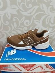 Título do anúncio: Tênis New Balance + Grátis um par de meias