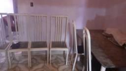 Título do anúncio: Mesa com 6 cadeiras 400$