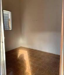 Título do anúncio: Kitnet em condomínio com água e luz incluso