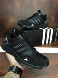 Título do anúncio: Tênis Adidas Kanadia Tr7