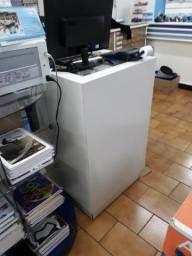 Móveis de suporte para computador